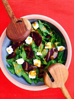 (28)beetroot salad wit spinach and light feta